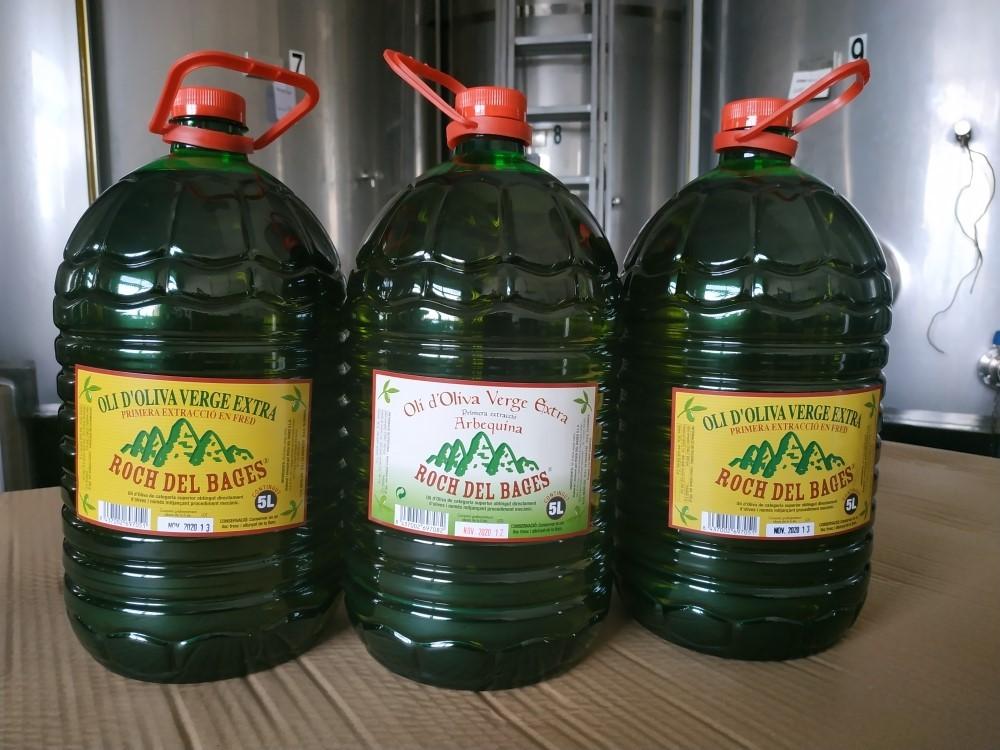 Caixa de 3 garrafes de 5 litres, 1 d'arbequina i 2 de copatge collita 2019/2020